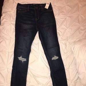 Never worn dark wash hollister jeans